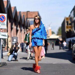 anna dello russo milano fashion week 2017 vestito gucci scarpe prada