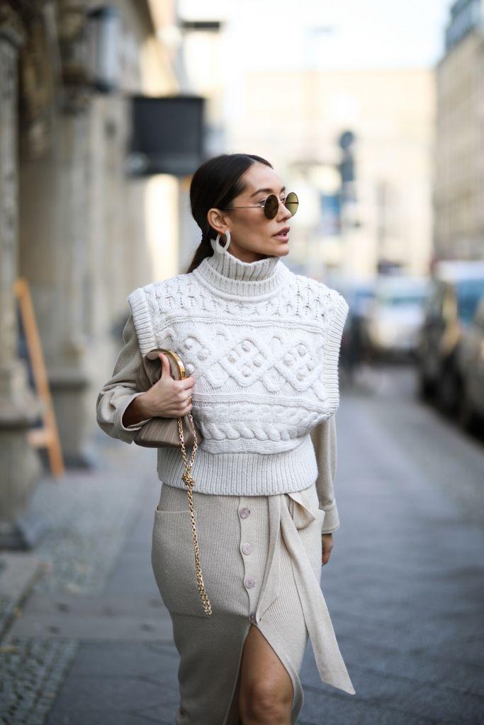 outfit con gilet in maglia